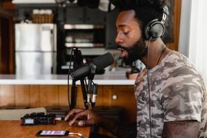 Black-Podcaster-Soundtrap